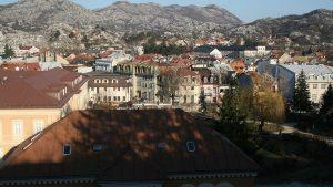 Zabranjeni radovi u Cetinjskom manastiru, građani protestovali