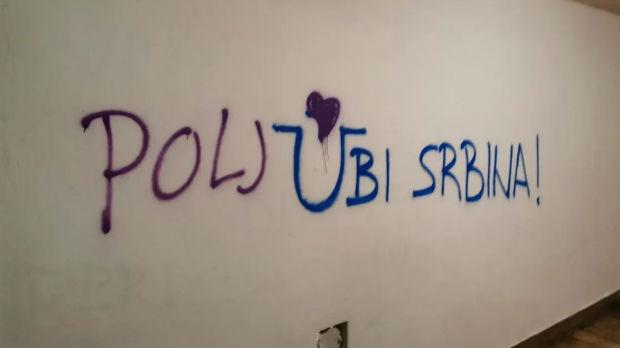 Zadranin opet prepravio grafit mržnje – svi poljubite Srpkinju ili Srbina