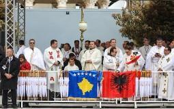 Zaev poklonio papi ikonu od terakote i pozvao ga da ponovo dođe u Skoplje