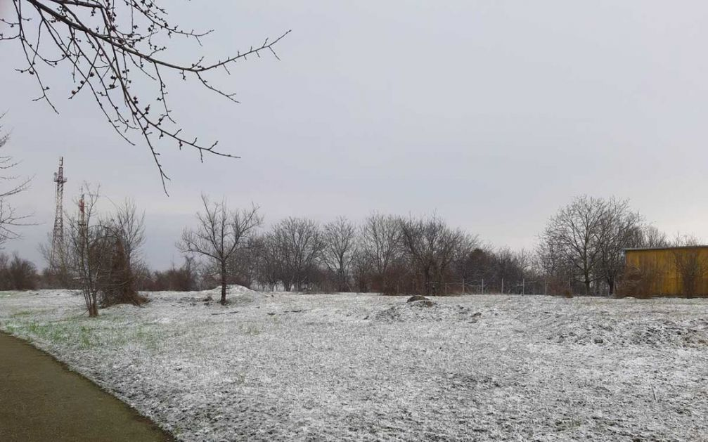 Zahlađenje, slab sneg i vetar, do 10 stepeni