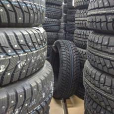 Zakon dozvoljava da cele godine vozite sa zimskim gumama, ali evo zašto to NIJE DOBRO