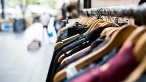 Zaplenjena tona falsifikovane garderobe na granici sa Bugarskom