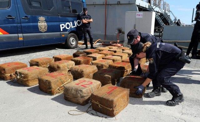 Zaplenjeno tri tone kokaina FOTO