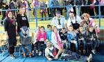 Zasmetao im uzvik na predstavi, pa bi da sankcionišu direktorku škole jer su deca slušala Živela Srpska ?