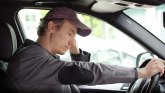Zaspao za volanom: Autopilot vozio 45 kilometara VIDEO
