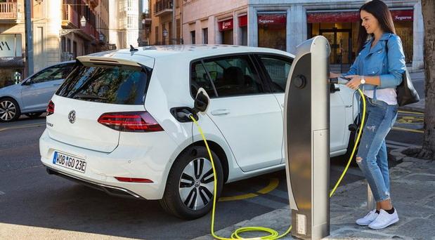 Zašto električni automobili više gube na vrednosti nego benzinci i dizelaši?!