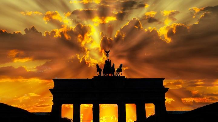 Zašto je Berlin odjednom toliko popularan kod sveže venčanih Srba?