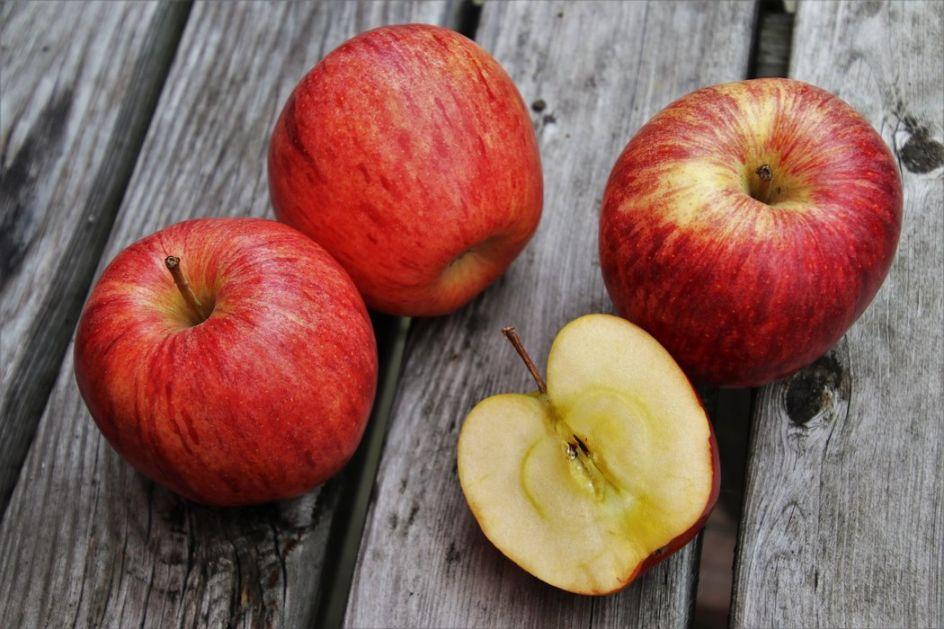 Zašto je dobro pojesti jednu jabuku dnevno?