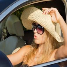 Zašto je važno da NE SEDATE ODMAH u automobil koji je DUGO BIO NA SUNCU?