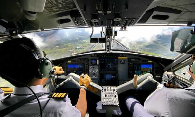 Zašto pilot i kopilot pre leta ne jedu istu hranu?