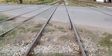 Zašto se na pružnom prelazu u Vrbasu zaobilaze pravila?