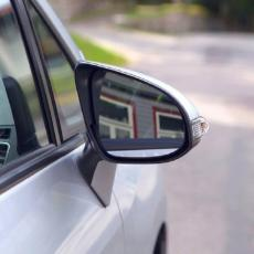 Zašto se sve više kradu retrovizori?