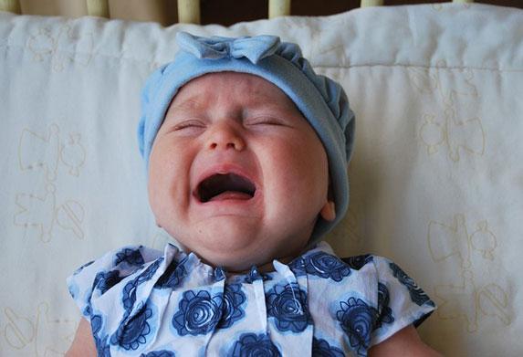 Zašto vaša beba plače! Sedam razloga i sedam načina da je smirite!