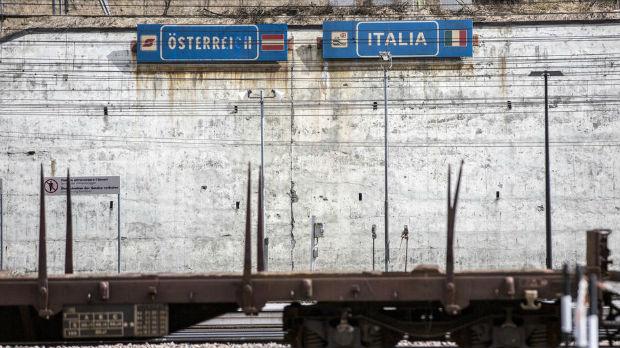 Zaustavljen voz na granici Italije i Austrije, sumnja se na koronavirus
