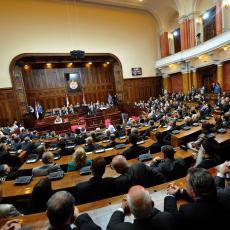 Završena rasprava u parlamentu!  Raspravljano o vizama, a glavna tema Kosovo!