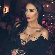 Zbog Katarinine haljine ljudi ne mogu da dišu: Kad je srpska pevačica objavila fotku na Instagramu vreme je stalo