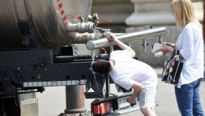 Zbog izmeštanja magistralnog cevovoda, meštani Ćićevca snabdevaju se iz cisterni
