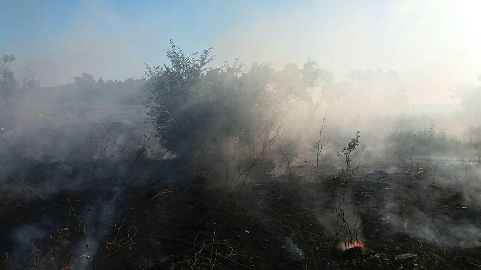Vatra divlja kod Šibenika, vetar rasplamsava požar