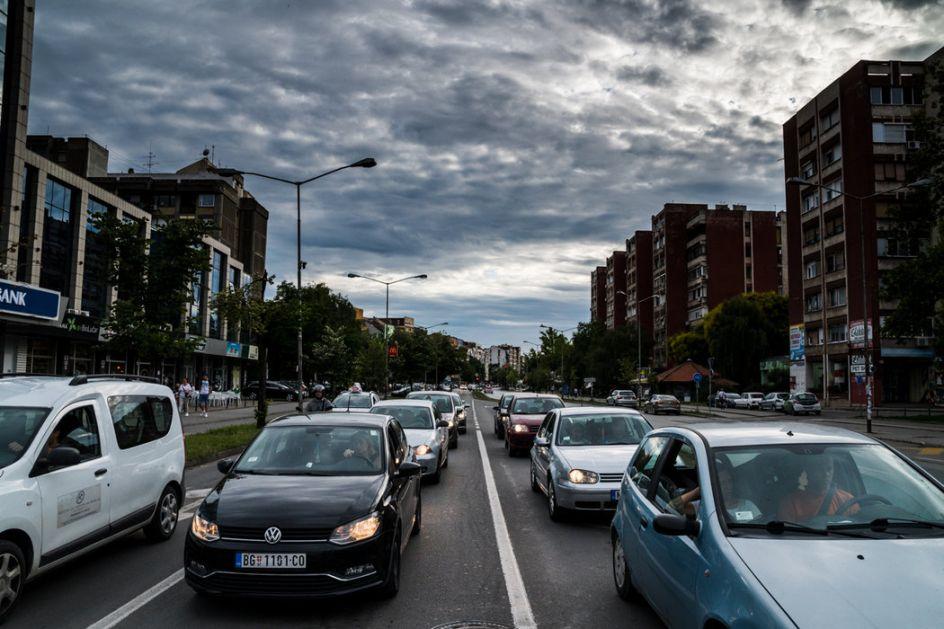 Oprez zbog oblačnosti i mogućih pljuskova, radovi na više puteva