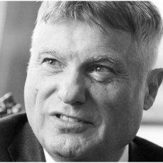 Zbogom poštovani ambasadore, dragi prijatelju i veliki Srbine Ministar Selaković se oprostio od Miroslava Lazanskog