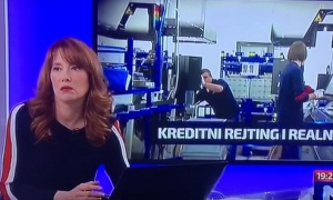 Zbunila se: Voditeljka u programu uživo zaboravila tekst! (VIDEO)