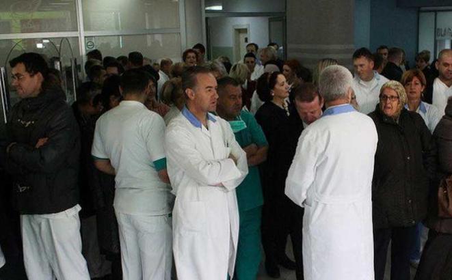 Zdravstveni radnici u Kantonu Sarajevo stupili u štrajk