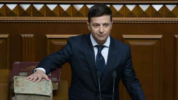 Zelenski položio zakletvu i raspustio parlament