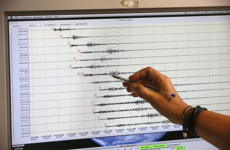 Zemljotres jačine 5,8 stepeni u blizini obale Indonezije