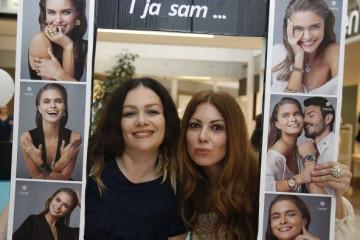 Ženske čarolije: Ivana Peters i Lena Bogdanović ne štede na odabiru nakita