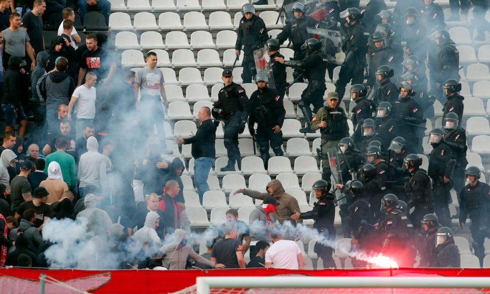 """Žestok sukob """"delija"""" i policije na stadionu u Humskoj (VIDEO)"""