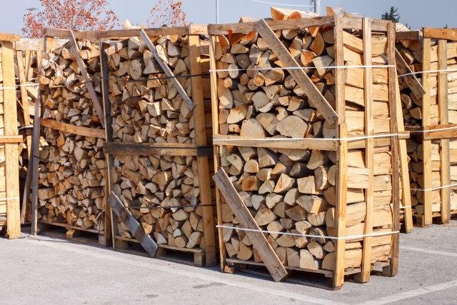 Zimska računica: Najmanji trošak za grejanje na jeftina drva, struja najskuplja