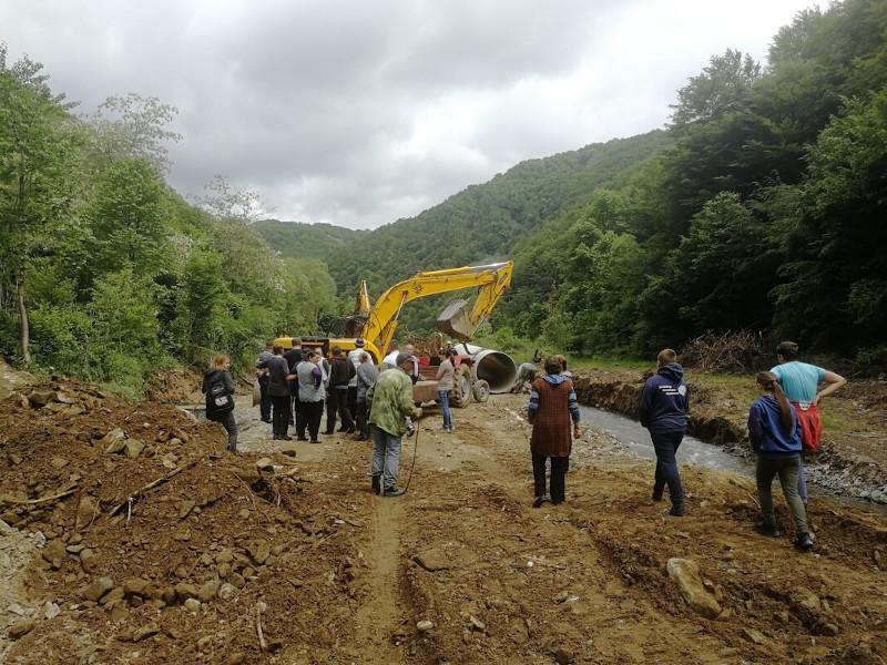 Žitelji sela kod Trgovišta sprečili stavljanje cevi u pritoku Pčinje