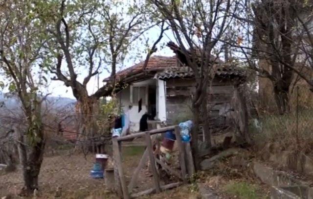 Žive same u napuštenom selu, skoro im je 90 godina i ne razgovaraju jedna s drugom VIDEO