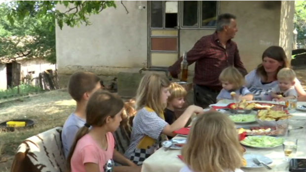 Život porodice sa desetoro dece
