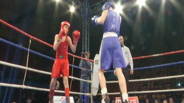 Zlatna rukavica za mlade leskovačke boksere