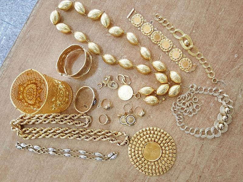 Zlatni nakit vredan oko 930.000 dinara zaplenjen na Gradini