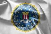 Znamo ko ste, ako ste tu, agenti FBI-a dolaze da vas pronađu