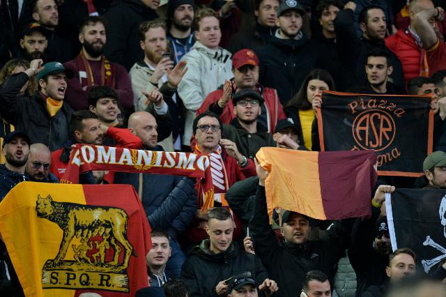 Zvanično - Napadač napustio Romu, u Rim stiglo pojačanje sa Old Traforda! (foto)