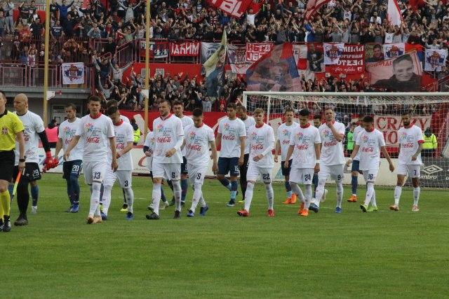 Zvezda i Vojvodina u majicama Sportske igre mladih FOTO