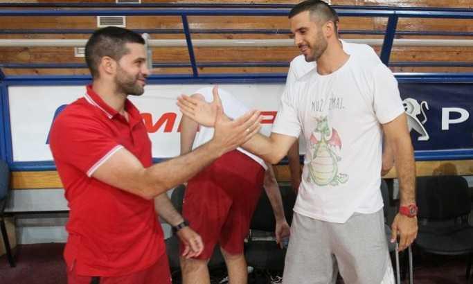 Zvezda kompletirala tim: Šampion potpisao ugovore sa još trojicom igrača