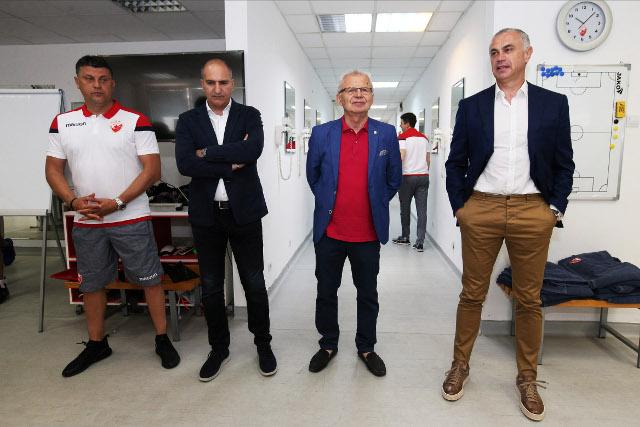 Zvezda na kraju priprema - Šta je sa Jevtovićem i Kanjasom?