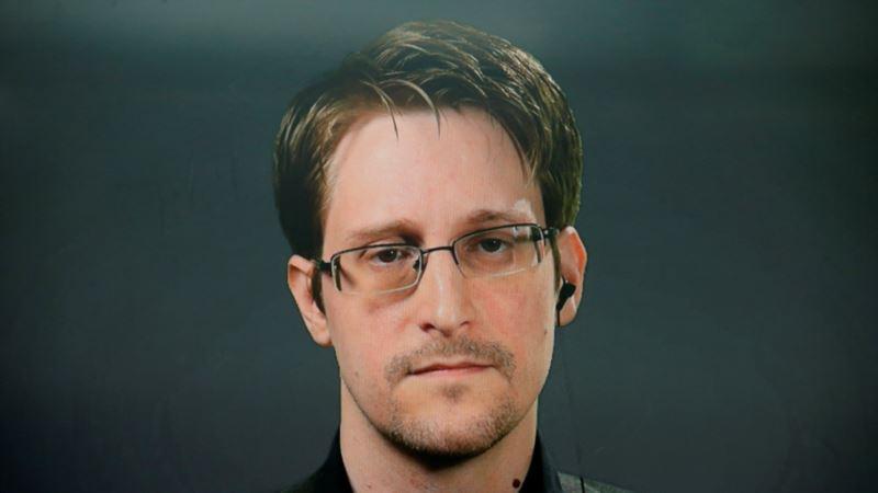 Zviždač Edvard Snouden navodno dobio stalno prebivalište od Rusije
