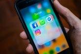 iPhone korisnici zbunjeni: Facebook im neobjašnjivo odjavljuje naloge