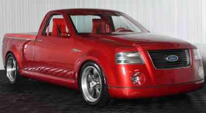2001 Ford F-150 Lightning concept ide na aukciju