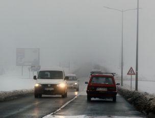 Magla i poledica otežavaju saobraćaj