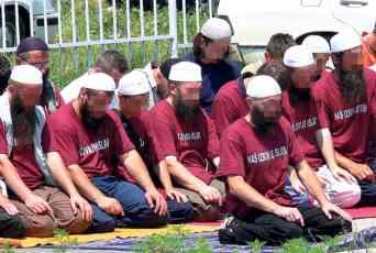 AUSTRIJA PROTERUJE VEHABIJE  IZ BIH: Kući vraćaju sve propovedače radikalizma! Selefije u panici, raspuštena i Arapska verska zajednica!