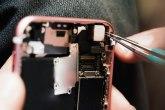 Apple isplatio milione pošto su serviseri objavili eksplicitne fotografije na Facebooku