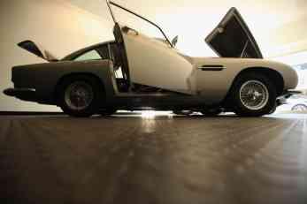 Aston Martin će ponovo praviti DB5 – s gedžetima