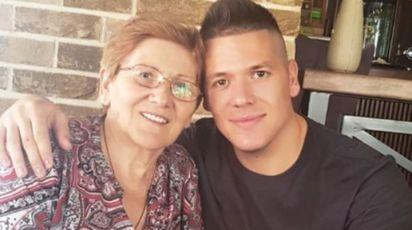 BILA MU JE NAJVEĆA PODRŠKA TOKOM PINKOVIH ZVEZDA I ZADRUGE: Slobina majka proslavila 70-ti rođendan, pogledajte kako ju je sin iznenadio! (FOTO)