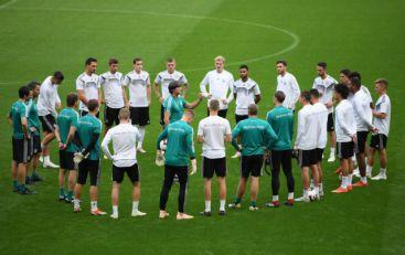Biti ili ne biti za Pancere  Nemci se vade protiv šampiona sveta